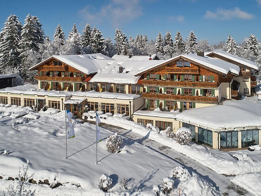Parkhotel Bayersoien in winter time