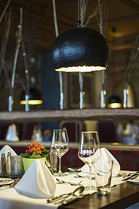 Table arrangement in the seasonal restaurant at the Parkhotel at Soier See